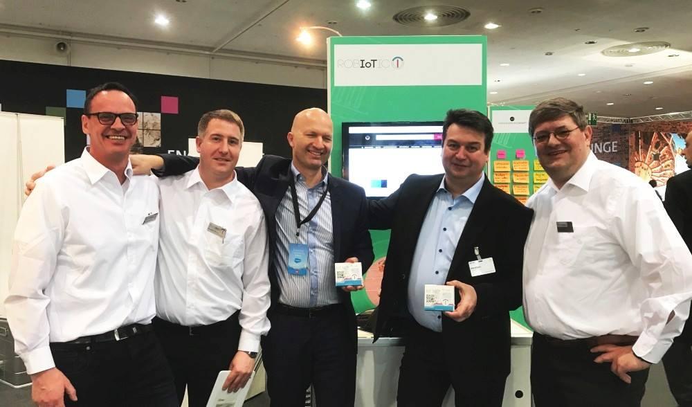 Unser Robiotic Team mit Frank Dehne von Salesforce und Jens Röschl von der Telekom - eine starke Verbindung.