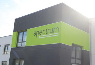 spectrum8 GmbH zieht ins neue Firmengebäude am Oberen Feld ein